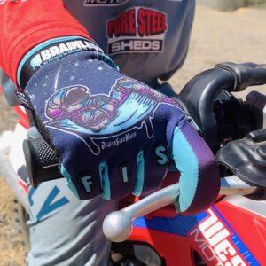 Moon Glove